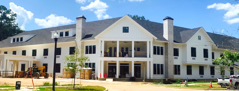 Outside view of The Residence at Oak Grove
